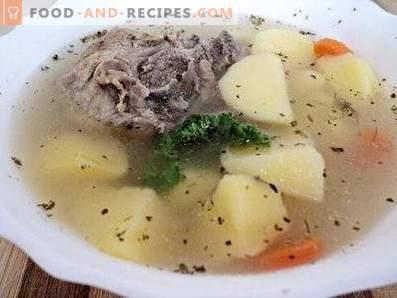 Sopa de patata en un multicooker